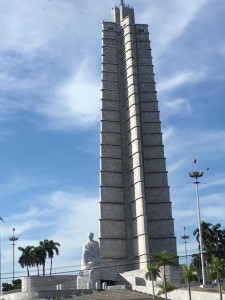 キューバの独立運動家で詩人の国民的英雄のホセ・マルティの記念博物館(革命広場の隣)